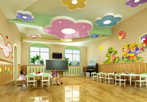 10,走廊设计色彩艳丽,卡通人物活泼可爱,故事情节引人入胜,符合幼儿
