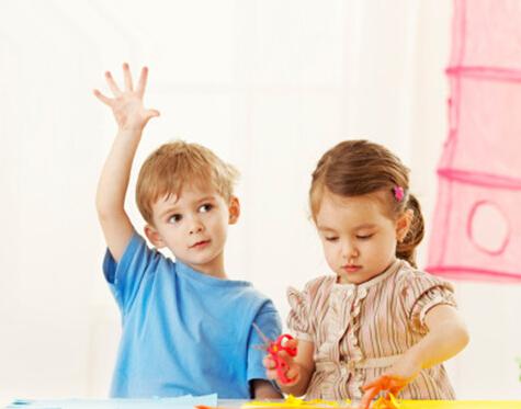 怎么让刚入读幼儿园的小朋友适应